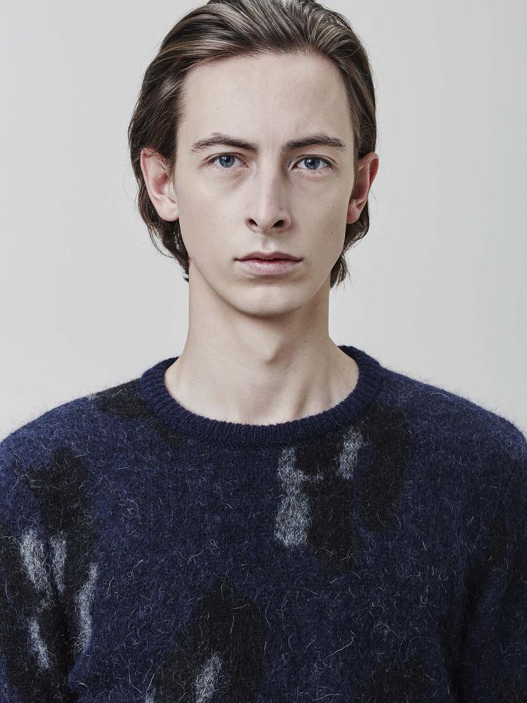 Model Anders B grid item photo