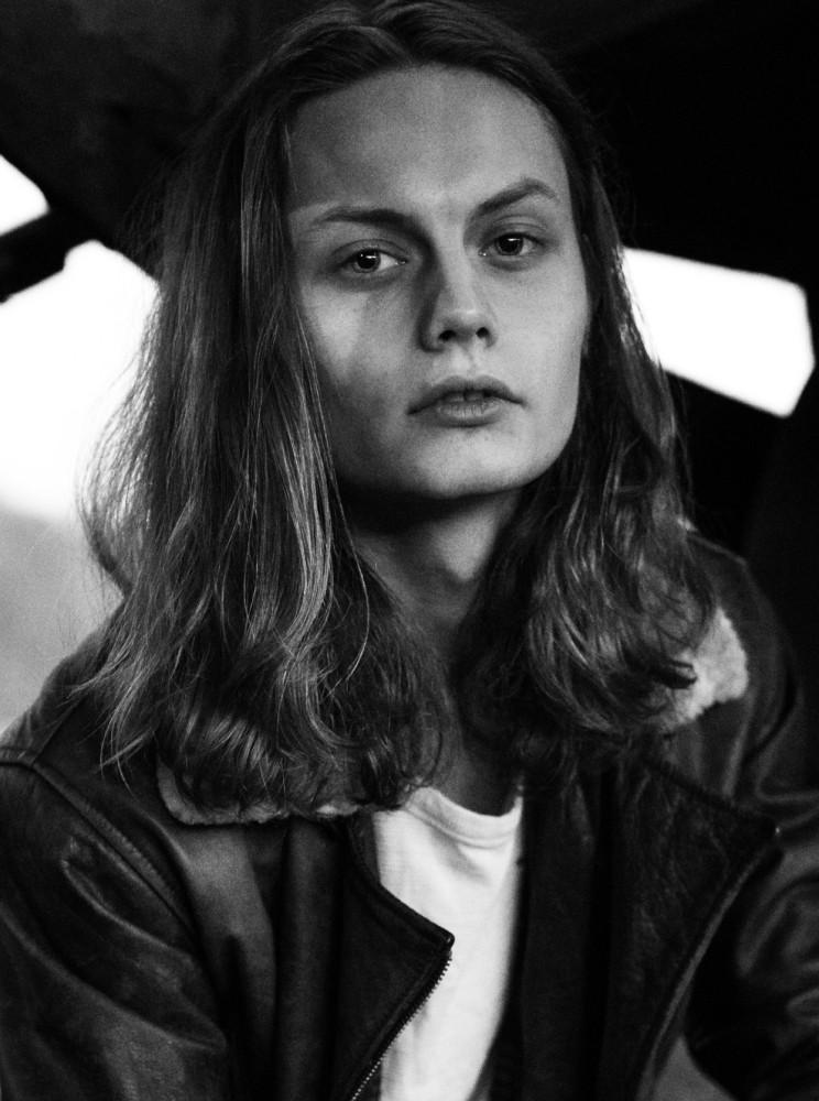 Model Andreas Hj grid item photo