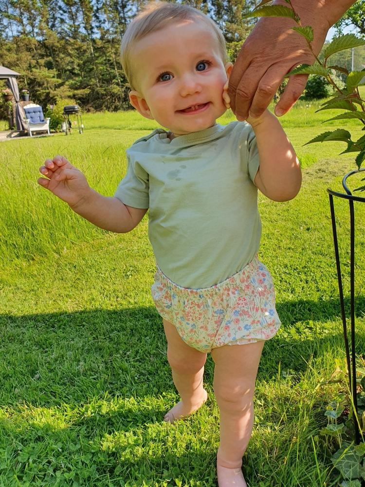 Model Elsie E  grid item photo