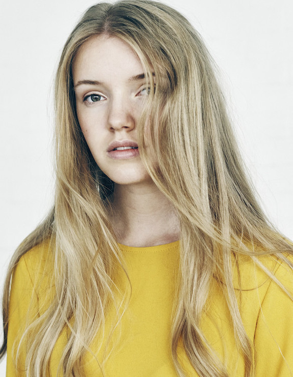 Model Johanna B grid item photo