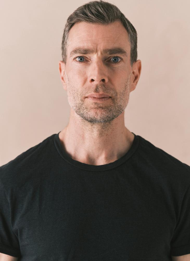 Model Johan Stephan grid item photo