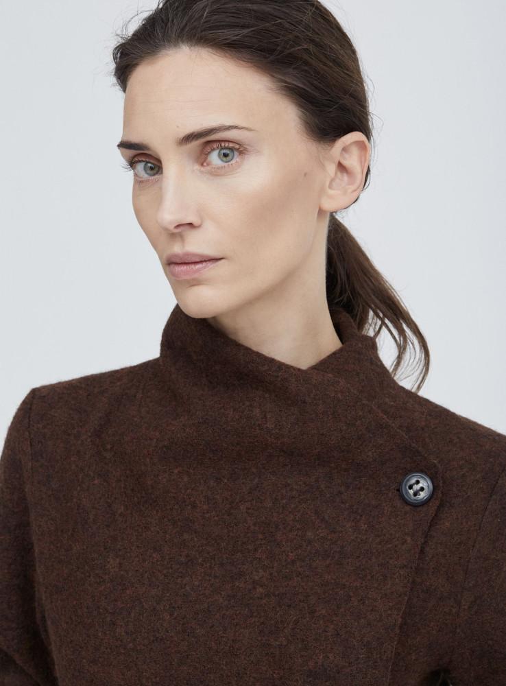 Model Marie M grid item photo