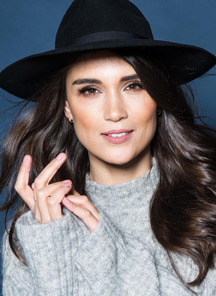 Model Maryam grid item photo