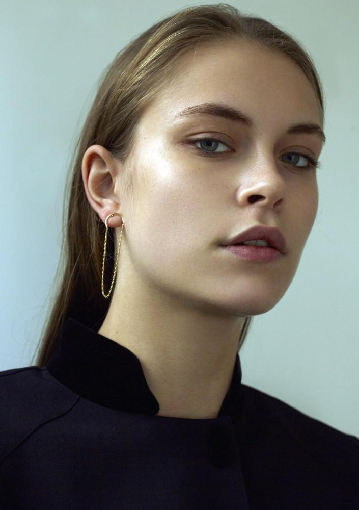 Model Mathilda H grid item photo