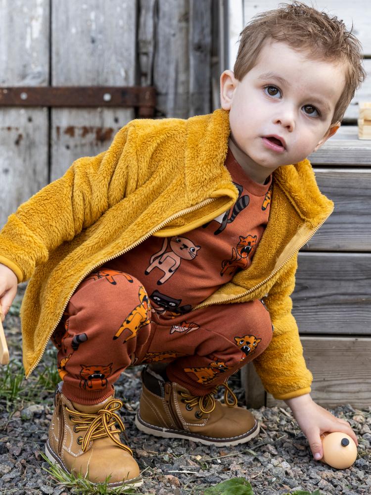 Model Noah A  grid item photo