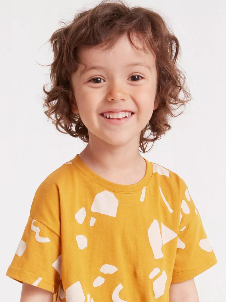 Model Oscar G  grid item photo