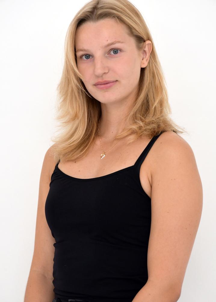 Model Sarah Boman grid item photo