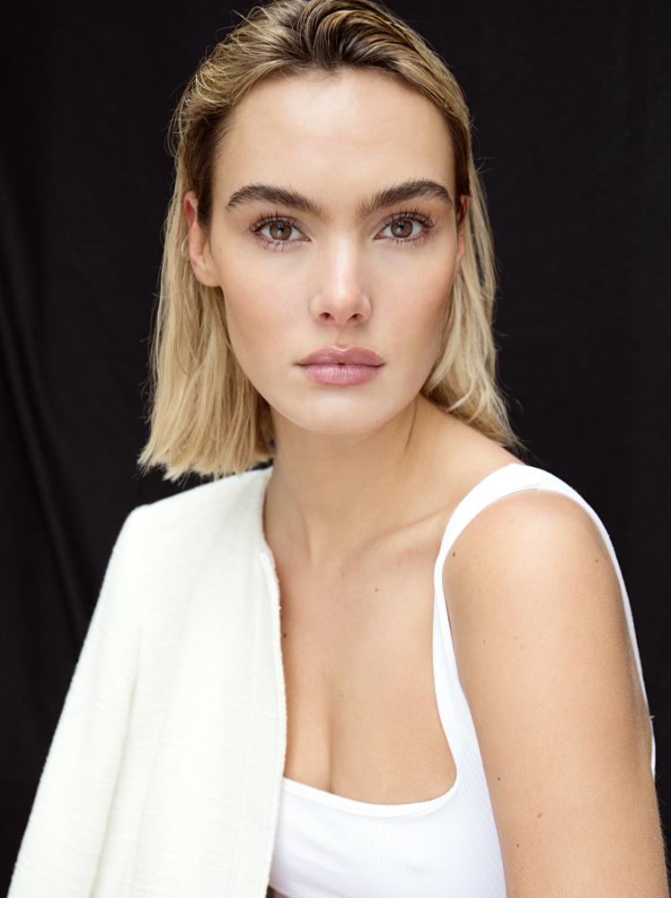 Model Sofi Anckarman grid item photo