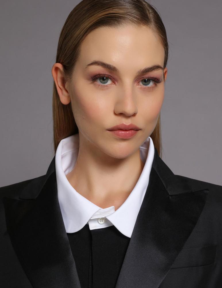 Model Sofie V grid item photo