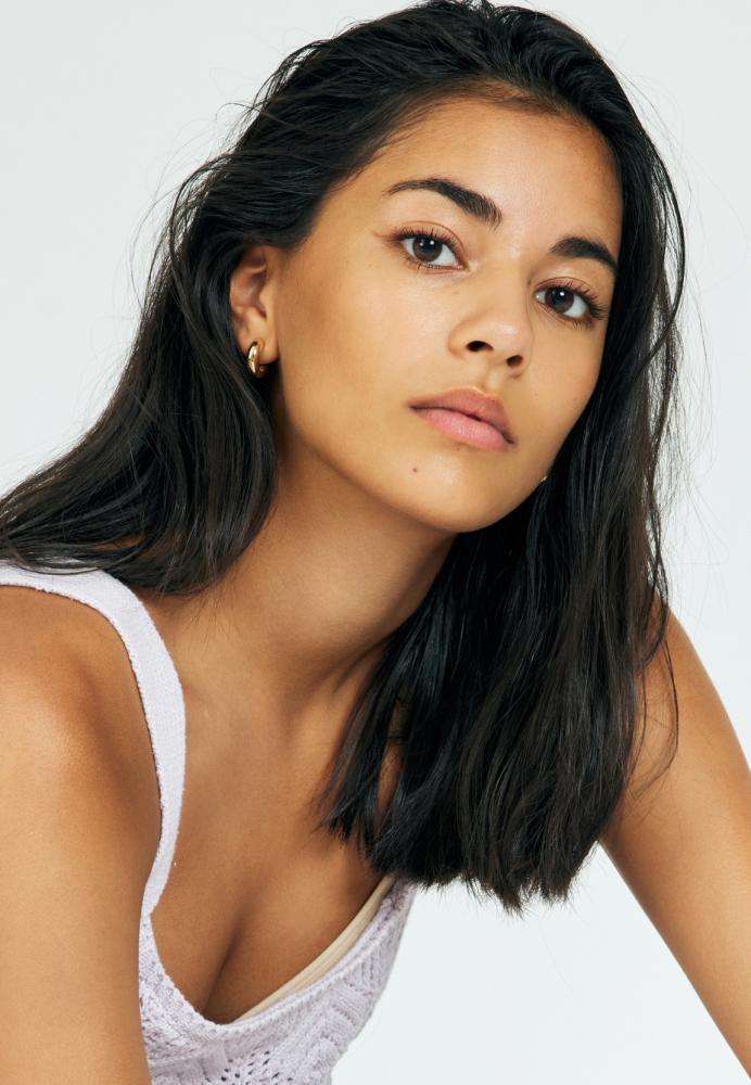 Model Stella Lee grid item photo